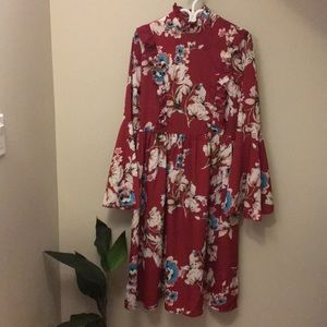 Dresses & Skirts - Beautiful Shein Bell-Sleeved Dress